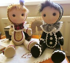 """Little """"Biscuits"""" dolls, A Highland shortie and an Oreo. Having great fun with these!!"""