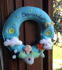 : Porta de maternidade - guirlanda aviãozinho Cookies Policy, New Years Eve Party, Improve Yourself, Felt Toys, Embellishments, Ideas, 15 Years, Wall