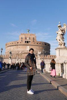 SHINee's Key Travels to France and Italy | Koogle TV
