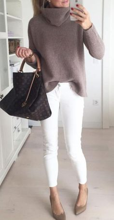 20 Warm Work & Office Outfits Ideas for Women When It's Cold - Lifestyle Spu. - Adrianna Torres - - 20 Warm Work & Office Outfits Ideas for Women When It's Cold – Lifestyle Spu… – Source by NewWorkOutfits Casual Winter Outfits, Winter Office Outfit, Date Outfit Casual, Winter Outfits For Work, Winter Work Shoes, Simple Work Outfits, Stylish Outfits, Warm Outfits, Stylish Clothes