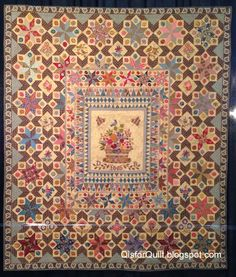 "BORDER..........................PC......................Di Ford ""Burnt"" quilt - excellent medallion style"