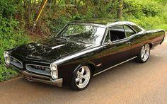 1966 Pontiac GTO 400 V8 Black Beauty – automotive99.com