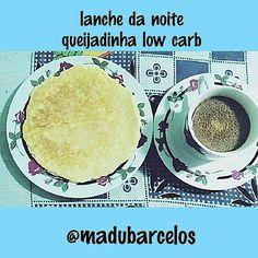 Boa noite  pessoal...  .  @Regrann from @madubarcelos -  Lanche da noite; café com creme de leite óleo de coco e canela queijadinha low carb do @senhortanquinho  Apaixonei pelo sabor! Somente 3 ingredientes ovo queijo ralado e coco ralado Receita em http://ift.tt/1GVnmQg #divasdedieta #lowcarb - #regrann