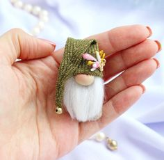Brooch Holiday Scandinavian gnome in green gold hat Christmas miniature decor Nordic Swedish . Brooch Holiday Scandinavian gnome in green gold hat Christmas miniature decor Nordic Swedish Tomte winter elf Old to Believe in Magic, Christmas Gnome, Christmas Crafts, Christmas Ornaments, Scandinavian Gnomes, Scandinavian Style, Swedish Tomte, Gold Hats, Green And Gold, Crafting