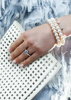 On the radar: dazzling pearls! From a simple pearl bracelet to a statement choker, there's a Birks Pearl item for every woman!