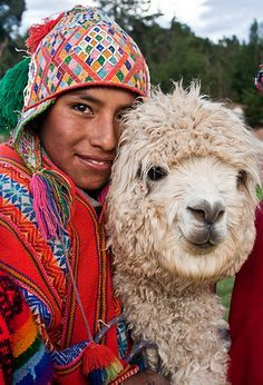 Peruvian textiles tradition - Andean peoples have always drawn materials from their environment in order to survive in their harsh mountainous landscape. For thousands of years, clothing for warmth and protection has been fashioned from animal fibres.
