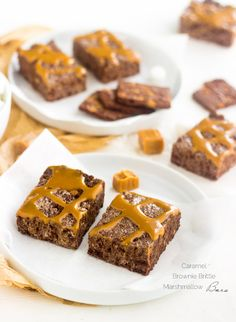 Caramel Brownie Brittle Marshmallow Treats - A fun twist on a classic that is SUPER easy and yummy! | Foodfaithfitness.com | #dessert #recipe #chocolate