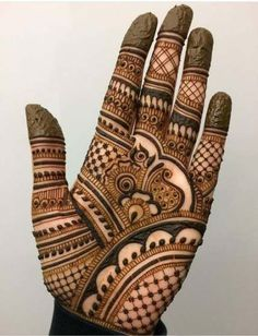 50 Most beautiful Varanasi Mehndi Design (Varanasi Henna Design) that you can apply on your Beautiful Hands and Body in daily life. Easy Mehndi Designs, Henna Hand Designs, Dulhan Mehndi Designs, Latest Mehndi Designs, Bridal Mehndi Designs, Mehandi Designs, Mehendi, Mehndi Designs Finger, Mehndi Designs For Beginners