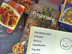 Jak planować posiłki - coś o tym wiemy, bo planujemy od 1,5 roku. Efekt? Jemy zdrowo, nie marnujemy jedzenia, czasu i pieniędzy. To prostsze niż myślisz. Weekly Meal Planner, Meals For The Week, Bullet, Menu, Blog, Menu Board Design, Blogging