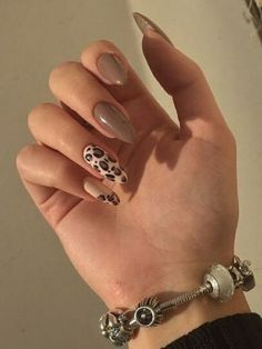 Edgy Nails, Oval Nails, Neutral Nails, Classy Nails, Stylish Nails, Trendy Nails, Square Acrylic Nails, Simple Acrylic Nails, Best Acrylic Nails