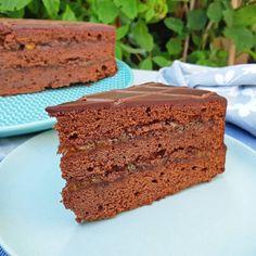 Sachertorte ~ chocoladetaart ~ chocoladecake ~ www.hetkeukentjevansyts.nl Banana Bread, Desserts, Food, Tailgate Desserts, Deserts, Essen, Postres, Meals, Dessert