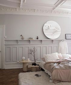 Bedroom beige sand white grey classic high ceiling molding contemporary meets Barocco The Apartment by Mouche Collective in Gothenburg Living Room Interior, Home Decor Bedroom, Interior Livingroom, Casa Milano, Gravity Home, Rustic Kitchen Design, Quirky Home Decor, Stylish Bedroom, Serene Bedroom