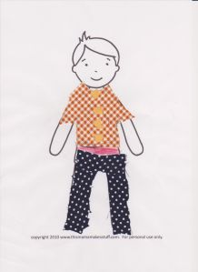 "Met stofrestjes op geprinte paper dolls nieuwe outfits ontwerpen :-)  Using fabric scraps and printed paper dolls for ""fashion design fun"" ;-)"