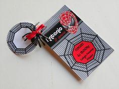 Convite 10x7cm com tag+ aranha. R$ 2,00