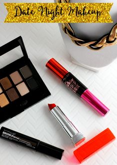 Looking for some simple date night makeup tips? These products are easy to use, and take you from daytime to date night ready a snap (bonus you can buy them all for under $30)! #FalsiesPushUpDrama AD