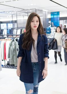Designer Clothes, Shoes & Bags for Women Korean Outfit Street Styles, Korean Casual Outfits, Korean Street Fashion, Cute Casual Outfits, Look Fashion, Girl Fashion, Fashion Outfits, Moda Kpop, Girl's Day Yura