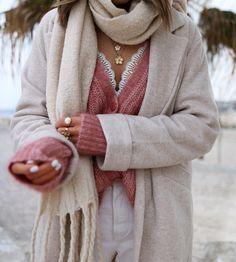 www.chonandchon.com gilet achille sézane rose Cozy, Pullover, Knitting, Pink, Sweaters, Fashion, Moda, Tricot, Fashion Styles