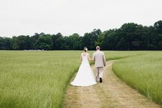 love this long walk to the ceremony   Mark Elkins #wedding