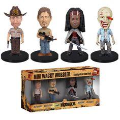Pack 4 mini cabezones 8 cm The Walking Dead Divertido y original pack formado por 4 mini cabezones de la línea Wacky Wobblers de 8 cm, fabricados en material de vinilo y por supuesto 100% oficiales y licenciados. Ideal para regalar.