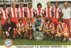FC BAYERN MÜNCHEN - FOREVER NUMBER ONE Retro Football, Football Kits, 1950 World Cup, Germany Football, Association Football, Most Popular Sports, International Football, Team Photos, Great Team