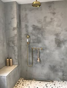 Modern Home Decor Bathroom Concrete Interiors, Concrete Bathroom, Tadelakt, Bathroom Design Luxury, Bathroom Inspiration, Small Bathroom, Bathroom Ideas, Bathrooms, Home Decor