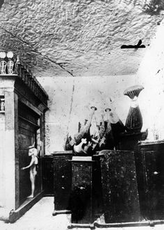 Image detail for -Some of the treasures inside the tomb of King Tut are seen