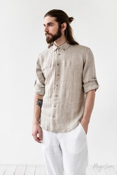 Men's linen shirt BILBAO. Men's Oxford linen shirt. Button down linen shirt for men. Linen clothing for men in various colors. Mens Linen Outfits, Mens Linen Shorts, Linen Pants, Linen Shirts, Linen Tunic, Mens Wardrobe Essentials, Men's Wardrobe, Man Street Style, Men Street