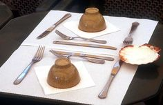 table_plates-photo.jpg (89563 Byte) table fork knife