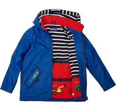 We love this gorgeous Tractor Ted Rain Coat. Your little ones will love splashing around in this jacket, especially with a pair of matching Ted Rain Boots!!