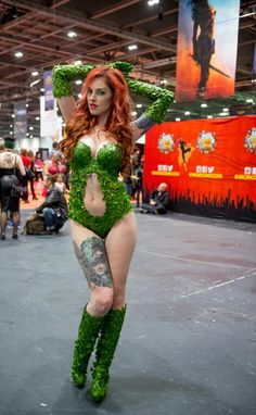 The Sexiest Comic Con Cosplay Ever : Poison Ivy