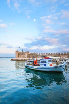 There's so much more to Greece than just its amazing islands and recently we set out to see just that! See the thing is, in the past, despite the lure