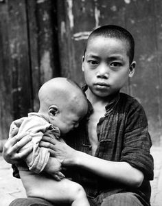 Carl Mydans - Brothers in China - 1941. (Time Life Pictures/Getty Images).
