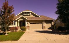 Beautiful Ranch Style home in Aurora! Only $3300/mo.