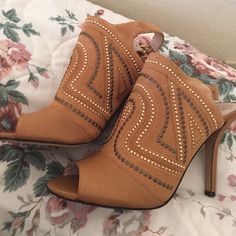 Vince camuto boots Cute suede boots open toe, never used just try it once, my mom bought it for me i never used and is been setting in my closet. Vince Camuto Shoes Ankle Boots & Booties
