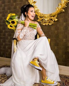 Bohemian Wedding Dresses, Dream Wedding Dresses, Wedding Outfits, Suit Fit Guide, Dress With Converse, Christian Bride, Wedding Converse, Bright Dress, Star Wedding