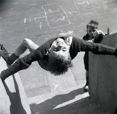 Nigel Henderson - Unidentified children playing on Chilsenhale Road, London, ca.1953. From Nigel Henderson Estate. °