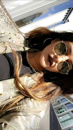 Kritika khurana Kritika Khurana, Boho Girl, Girl Inspiration, Picture Poses, Pants Outfit, Youtubers, Boho Fashion, Sunglasses Women, Skin Care