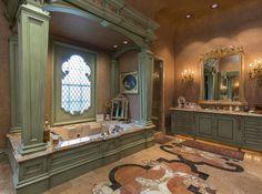 Dual Master Baths - the Ladie's Bath - pic 2 of 2