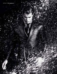 Emilio Flores & Mat Gordon Kampf im Regen für die deutsche GQ - # Poses For Men, Male Poses, Photography Themes, Fashion Photography, Gq, Water Shoot, Model Face, Koh Tao, Paris