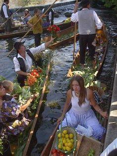 The outdoor floating market of  L'Isle sur la Sorgue, France