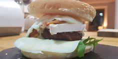 Hamburguesa completa con queso camembert • Tersi Crafts