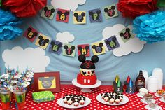 Decoración de mesas del pastel de la Casa de Mickey.