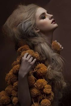 A perfectly poised staged portrait rich in de-saturated ochre's- Royal Extreme by Una Hlin Kristjansdottir - Dezeen High Fashion Photography, Fashion Photography Inspiration, Portrait Photography, Hair Photography, Editorial Hair, Editorial Fashion, Magazine Editorial, Fashion Shoot, Fashion Art