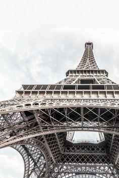 The Eiffel Tower, Paris, France Tour Eiffel, Torre Eiffel Paris, Oh The Places You'll Go, Places To Travel, Photowall Ideas, Hotel Des Invalides, San Francisco, Adrien Agreste, Belle Villa