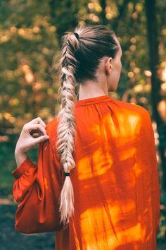 Hiking outfit, hike, braid, fishtail braid, ponytail, long hair, long blonde hair, blogger, red top, forest, dreaming, adventure, outfit, hike