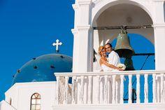 An amazing photoshooting.by Vangelis photography Santorini Wedding, Beautiful Couple, Taj Mahal, Wedding Planner, Building, Beach, Places, Photography, Travel