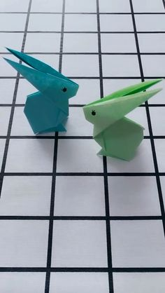 DIY Origami Rabbit Video Tutorial DIY Origami Kaninchen Video Tutorial The post DIY Origami Kaninchen Video Tutorial appeared first on Diy Crafts Hacks, Diy Crafts For Gifts, Diy Arts And Crafts, Creative Crafts, Paper Folding Crafts, Paper Flowers Craft, Paper Crafts For Kids, Instruções Origami, Paper Crafts Origami