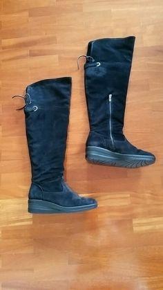 Stivali alti sopra al ginocchio colore nero. Piccola zeppa di 4cm. Taglia 39. Nuovi. Igi&coPerfetti sia con gonne che con ...