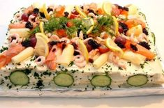 Sandwich Cake, Sandwiches, Pasta Salad, Cobb Salad, Appetizers, Ethnic Recipes, Martha Stewart, Corner, Drinks