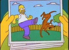 Homero Simpson: recuerdos con Ayudante de Santa http://www.trivi-amigos.webgarden.es/menu/img-y-frases-de-los-simpson:3